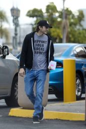 Mila Kunis and Ashton Kutcher - Out in LA 03/11/2020
