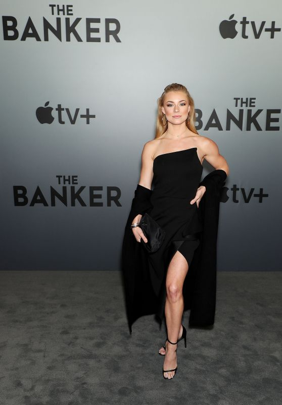 """Nikki Leigh – Apple's """"The Banker"""" Premiere in Memphis 03/02/2020"""