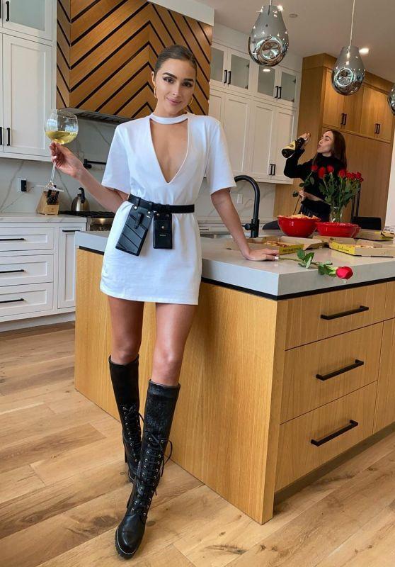 Olivia Culpo - Social Media 03/11/2020