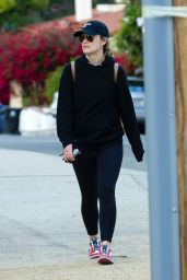 Olivia Wilde - At a Park in Los Angeles  03/25/2020