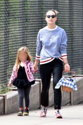 Olivia Wilde - Goes on a Picnic in Los Angeles 03/28/2020