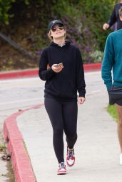 Olivia Wilde - Silver Lake Neighborhood of Los Angeles 03/25/2020