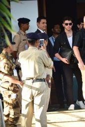 Priyanka Chopra and Nick Jonas - Mumbai Airport 03/09/2020