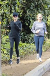 Reese Witherspoon - Outdoor Fitness Session in LA 03/18/2020