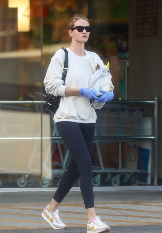 Rosie Huntington-Whiteley - Out in LA 03/25/2020