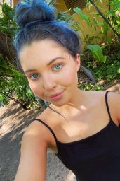 Sammi Hanratty - Social Media 03/11/2020