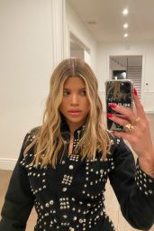 Sofia Richie - Social Media 03/11/2020