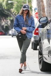 Taylor Hill - Out in Beverly Hills 03/11/2020