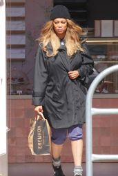Tyra Banks - Grocery Run in Los Angeles 03/25/2020