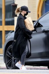Chloe Moretz - Getting Groceries in Studio City 04/08/2020
