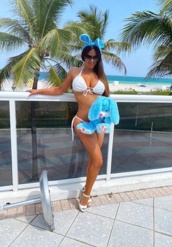 Claudia Romani Bikini Photoshoot 04/09/2020