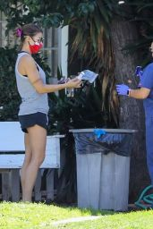 Elisabetta Canalis - Beverly Hills Small Animal Hospital 04/23/2020