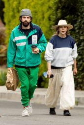 Elizabeth Olsen and Robbie Arnett - Pick Up Lunch To-Go 04/18/2020