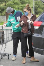 Elizabeth Olsen - Grocery Shopping in Calabasas 04/20/2020
