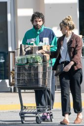Elizabeth Olsen - Shopping at Erewhon Market in LA 03/30/2020