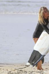 Elsa Pataky - Beach in Byron Bay, Australia 03/14/2020