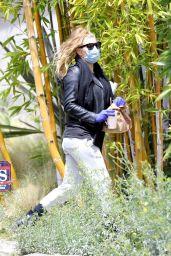 Fergie - Out in Santa Monica 04/05/2020