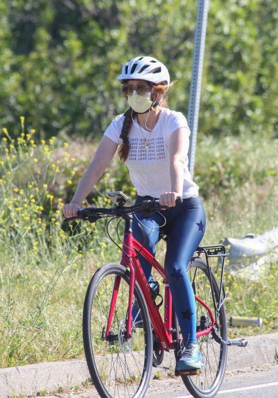 Isla Fisher - Bike Ride in LA 04/24/2020