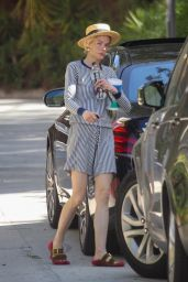 Jaime King - Arrives at a Friend