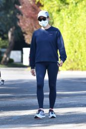 Jennifer Garner - Out in Pacific Palisades 04/04/2020