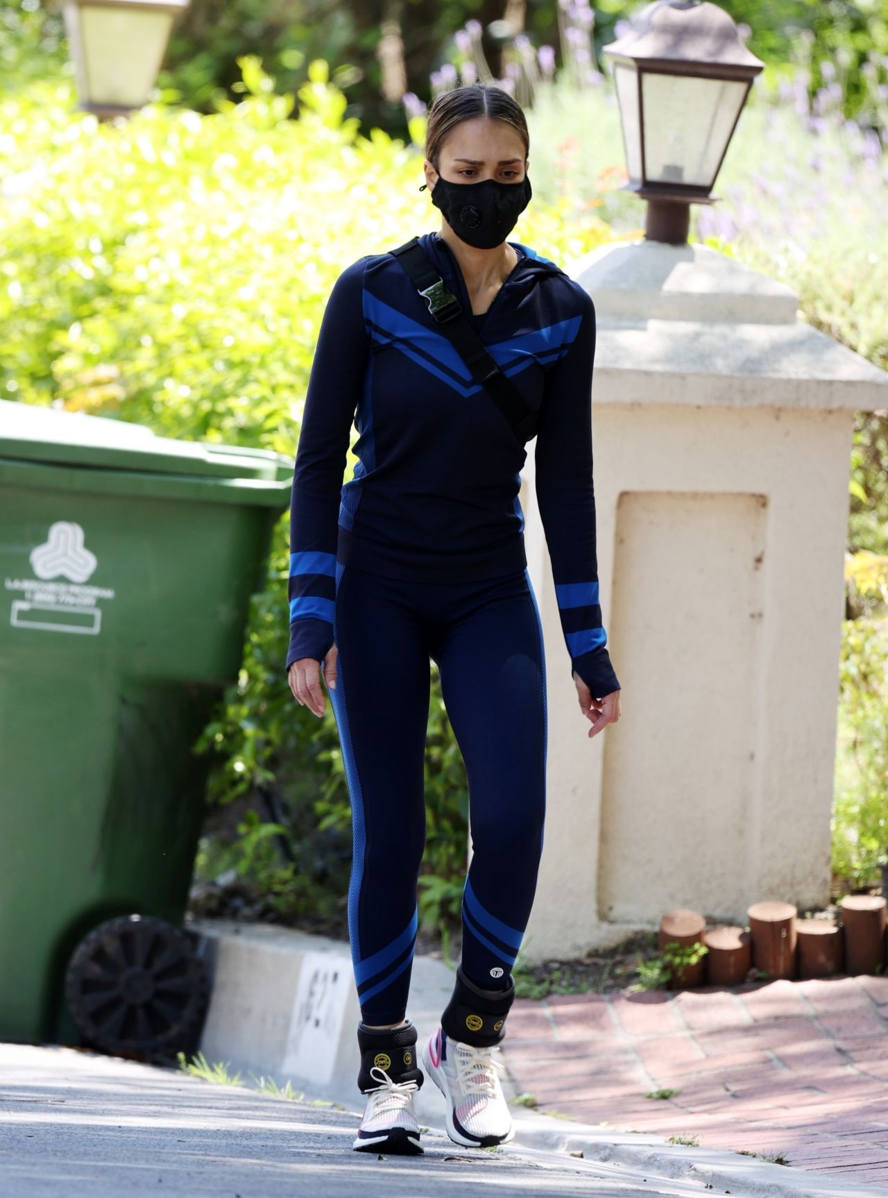 Jessica Alba Style Workout In Beverly Hills 04 19 2020