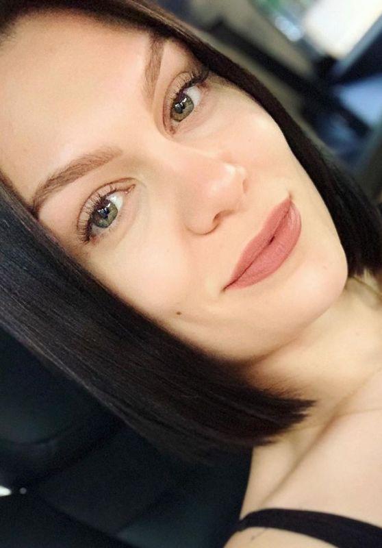 Jessie J - Live Stream 04/02/2020