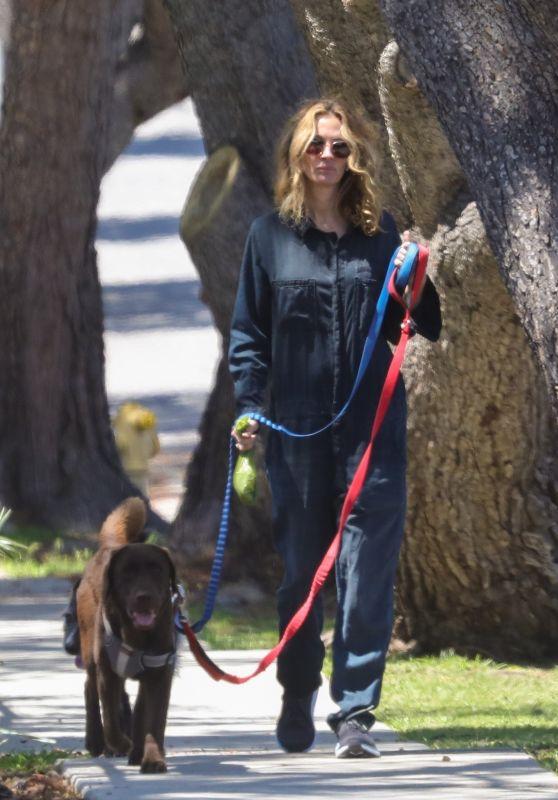 Julia Roberts - Walking Her Dogs 04/22/2020