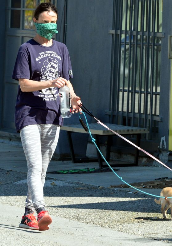 Juliette Lewis - Walks Her Dogs in Venice 04/20/2020