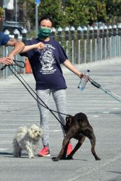 Juliette Lewis - Walks Her Dogs in Venice 04/20/2020