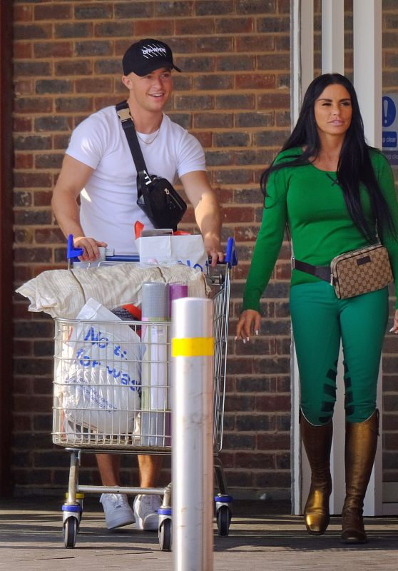 Katie Price - Shopping in London 04/08/2020