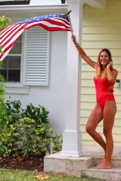 Kelly Bensimon in a Swimsuit - Spends Easter in West Palm Beach 04/12/2020