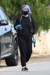 Kelly Osbourne and Sharon Osbourne - Out in Malibu 03/31/2020