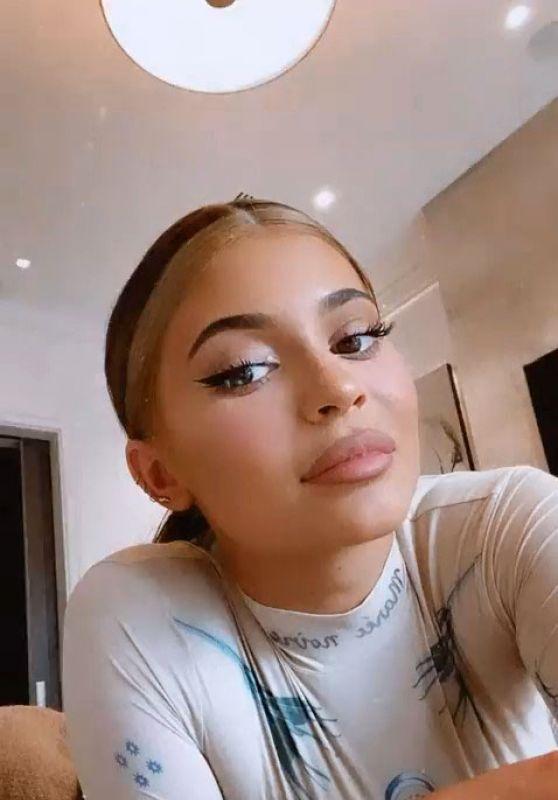 Kylie Jenner Style 04/30/2020
