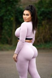Lauren Goodger in Tiny Crop-Top and Leggings - Out for a Morning Run 04/23/2020