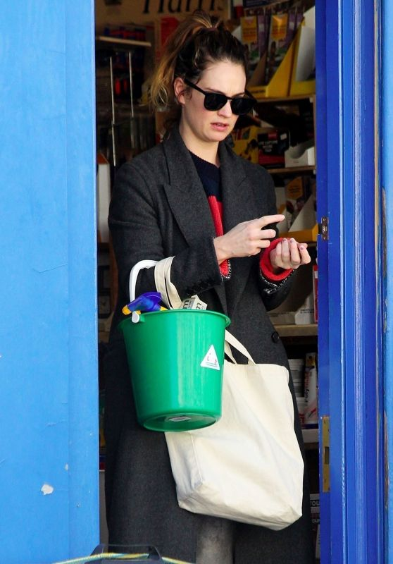 Lily James - Shopping in London 04/07/2020