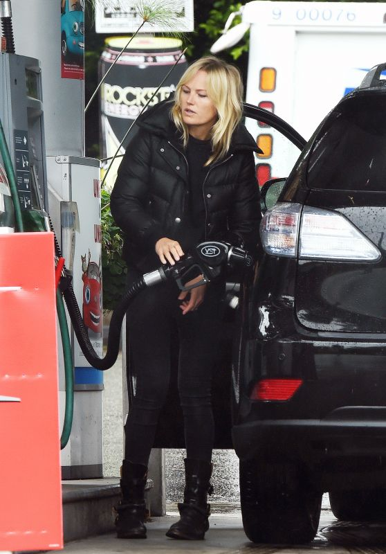 Malin Akerman - Filling Up Her Car With Gas in LA 04/10/2020