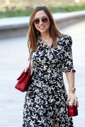 Myleene Klass - Arriving at Smooth Radio in London 04/20/2020