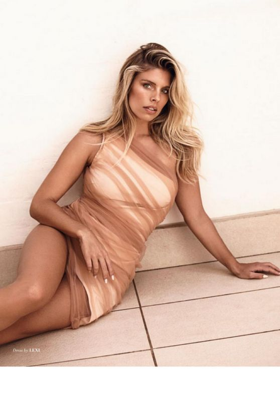 Natasha Oakley - Modeliste Magazine April 2020 Issue