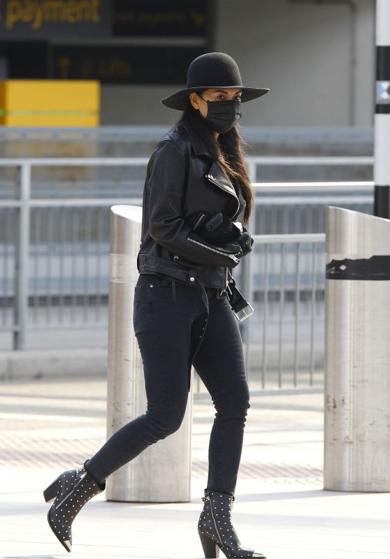 Nicole Scherzinger Style - Flying Out of Heathrow Airport in London 03/28/2020
