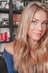 Nikki Leigh - Live Stream 04/20/2020