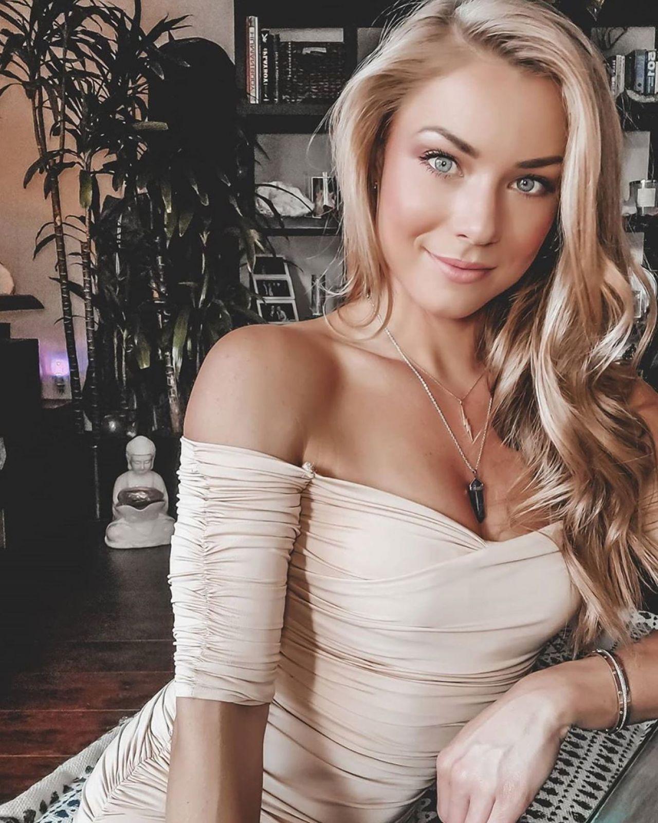 Nikki Leigh - Live Stream 04/20/2020 • CelebMafia