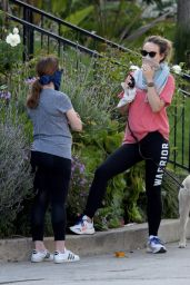 Olivia Wilde Street Style - Out Walking Her Dog in Los Angeles 04/02/2020