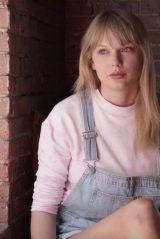 Taylor Swift - Social Media 04/02/2020