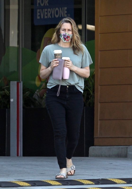 Alicia Silverstone at a Local Starbucks in Beverly Hills 05/01/2020
