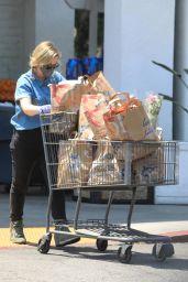 Amy Poehler - Shopping in LA 05/09/2020