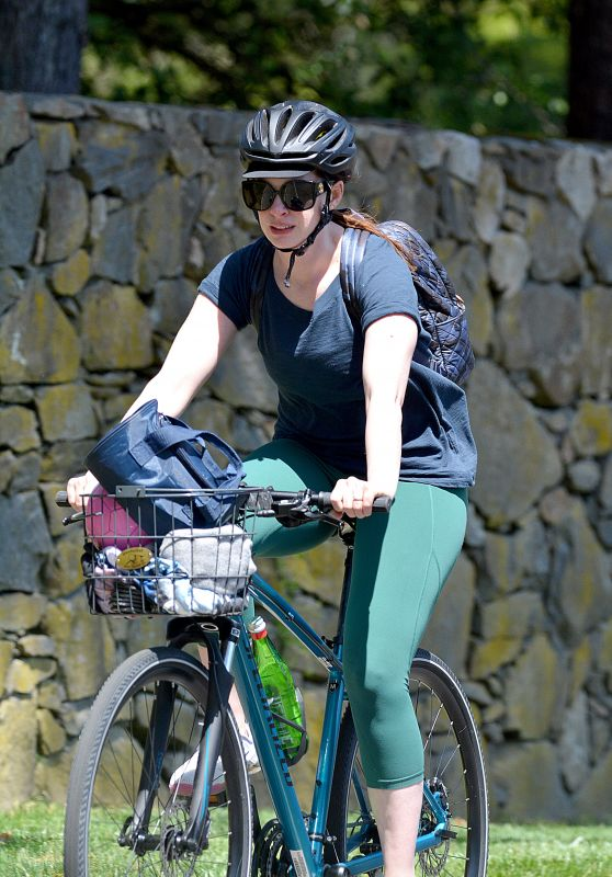 Anne Hathaway - Riding Bike in Connecticut 05/03/2020