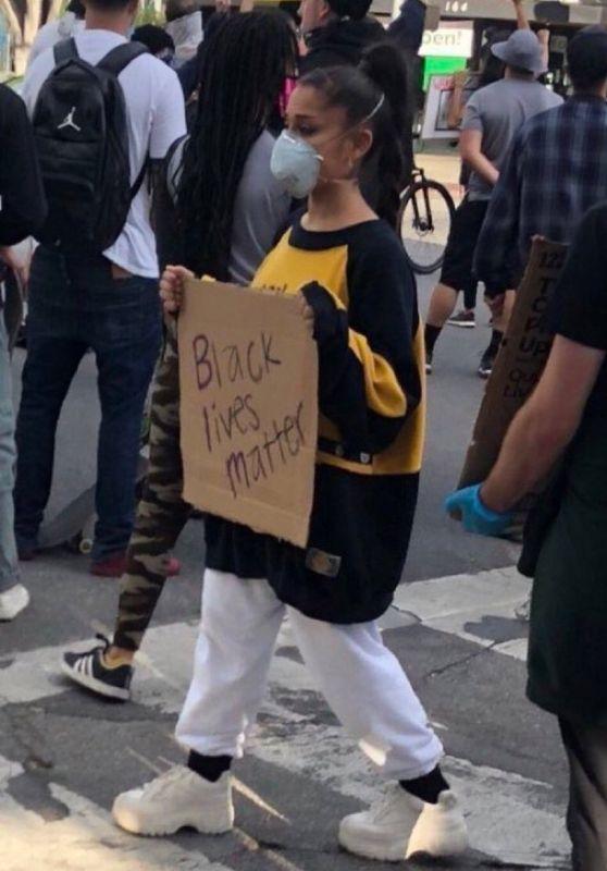 "Ariana Grande - ""Black Lives Matter"" Protests in LA 05/30/2020"