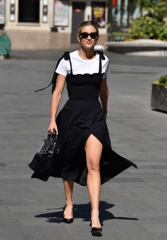 Ashley Roberts in a Chic Thigh-Split Black Dress and Skyscraper Heels 05/29/2020
