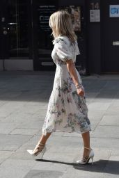 Ashley Roberts - Leaving the Global Radio Studios 05/26/2020