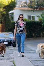 Aubrey Plaza - Out in Los Feliz 05/05/2020
